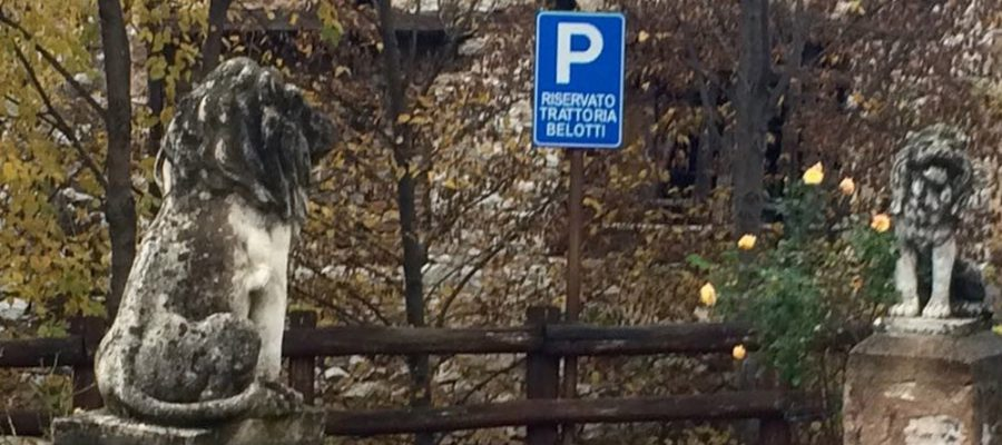 ingresso parcheggio riservato